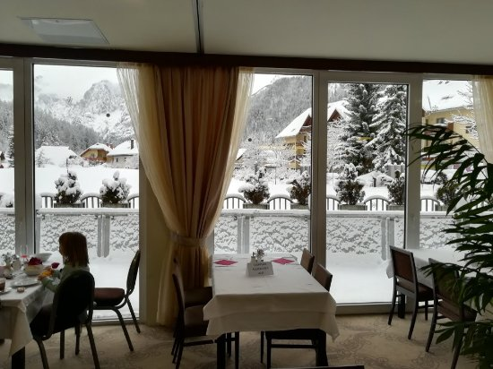 Ramada Hotel and Suites Kranjska Gora: IMG_20171209_083915_large.jpg