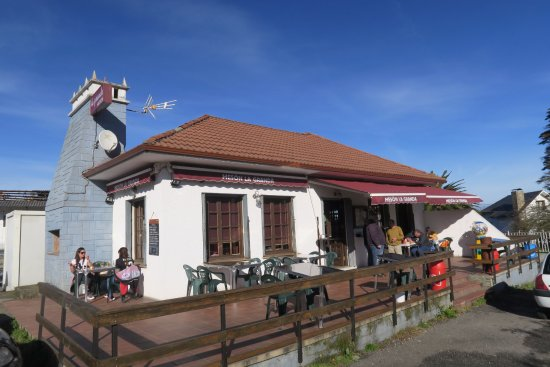 Cadavedo, Spanien: Entrada del Mesón