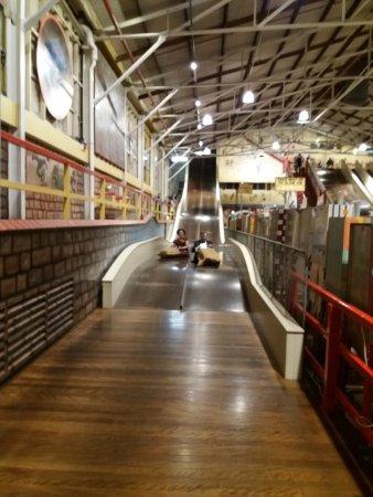 Luna Park Sydney: As brincadeiras que encataram os adultos