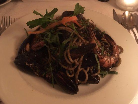 Eastleigh, UK: Squid Ink pasta