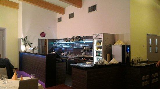 Vsetin, สาธารณรัฐเช็ก: Bar v hotelové restauraci