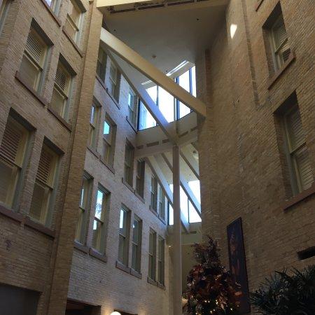 Crockett Hotel: photo2.jpg
