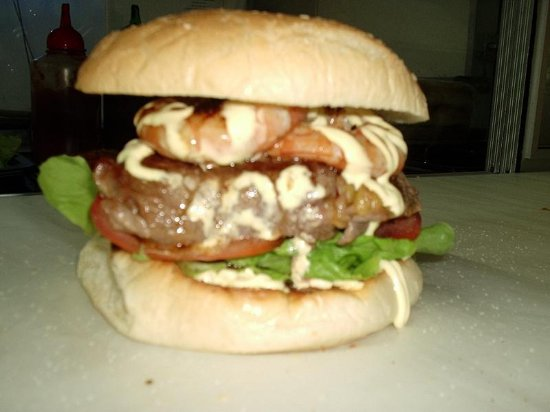 Marcoola, Australia: Reef & Beef Burger