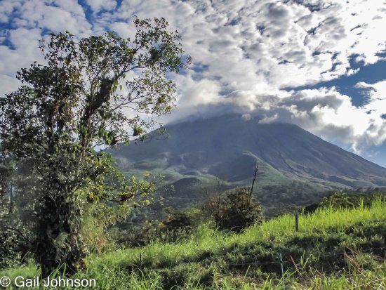 Los Lagos Hotel Spa & Resort: Walk up to teh volcano observatory