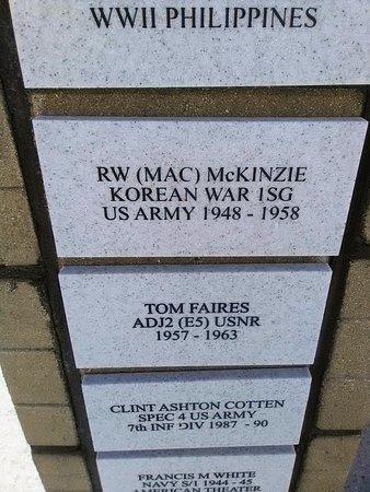 Laurel, Миссисипи: Brick Honoring First Sergeant Mac McKinzie