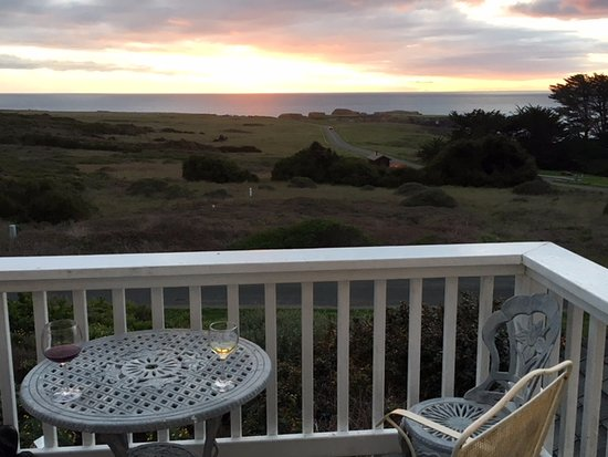 Mendocino Seaside Cottage: View from the penthouse suite at sunset