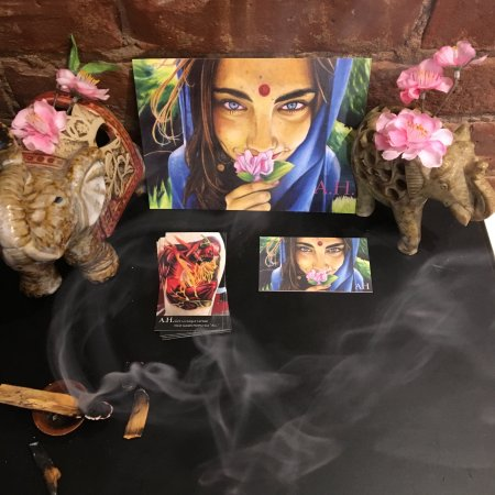 Saugerties, Nova York: Inside of our shop! clearing the energies and atmosphere from previous sessions