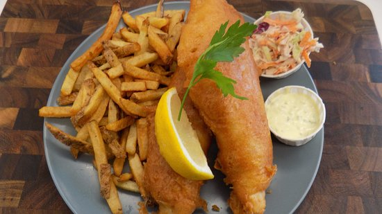 Bridgewater, แคนาดา: Fresh Nova Scotia haddock & house cut fries
