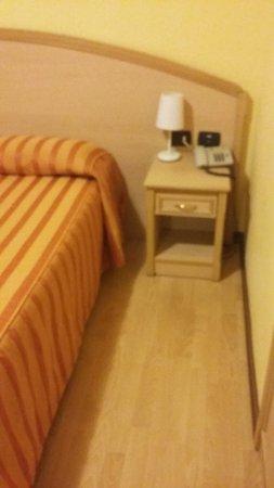 Hotel Residence Dei Fiori: 20171128_202950_large.jpg