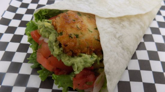 Bridgewater, Canada: Fish taco with homemade guac & salsa