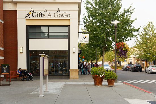 Hillsboro, OR: Stop by Gifts A GoGo at the Streets of Tanasbourne.