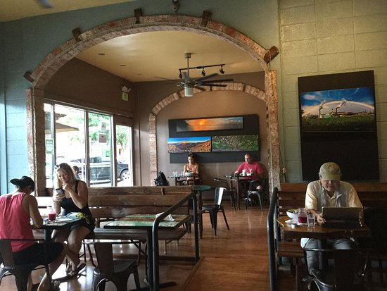 Wailuku Coffee Company: This place has a chill atmosphere. I really enjoy relaxing here.