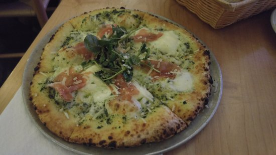 Lewisburg, WV: Prosciutto and pesto pizza