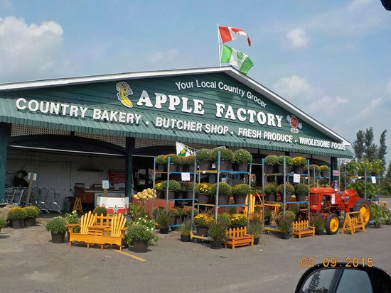 Brampton, Canadá: Front of Apple Factory