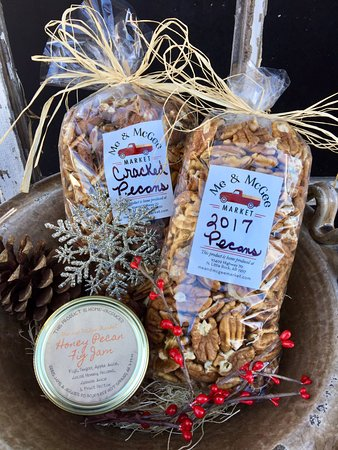 North Little Rock, AR: Holiday Package Pecans and Jam