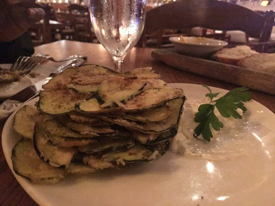 Marlton, Nueva Jersey: The awesome Estia Chips, lightly fried slice zucchini and eggplant
