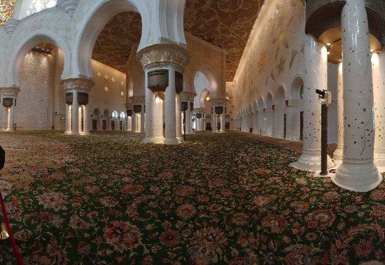 Sheikh Zayed Grand Mosque Center: 20171108_124402_large.jpg
