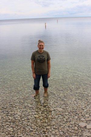 Schoolhouse Beach: The water is sooo clear!