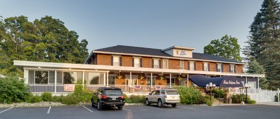Central Lake, Μίσιγκαν: The street view for our historic country inn