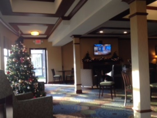 Rensselaer, NY: lobby lounge, dining and business center