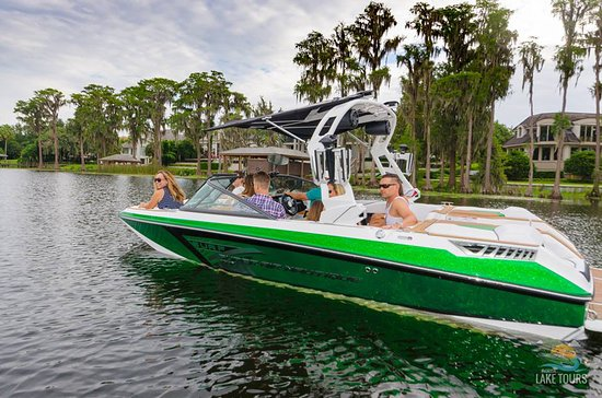 Windermere, FL: Our tours take our guests through the beautiful homes among the chain of lakes