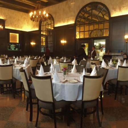 Gargiulos Restaurant Dining Room