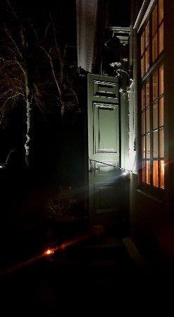 Molnlycke, Sweden: IMG_20171209_220647_large.jpg