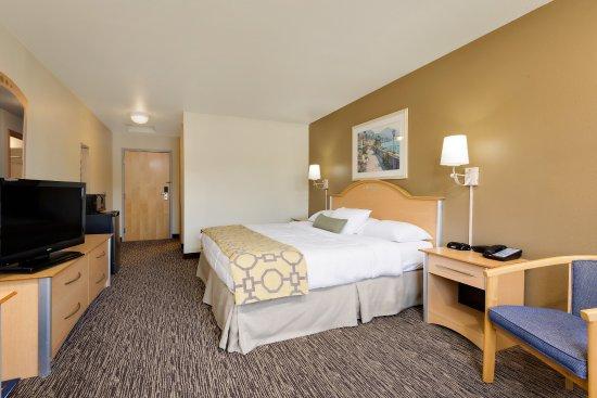 Lawrenceburg, IN: Standard single king room, desk, chair, flat screen tv