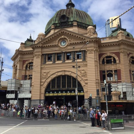 flinders street station picture of flinders street. Black Bedroom Furniture Sets. Home Design Ideas
