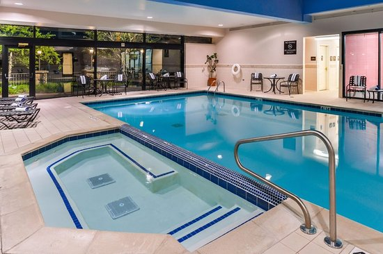 Southfield, MI: Pool