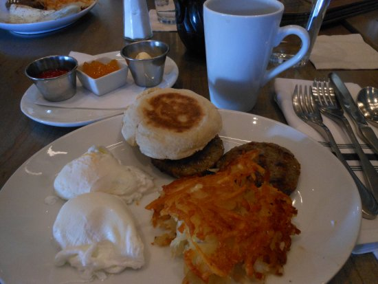 Lawrence, KS: The complete Lawrencinian Breakfast. Very good!