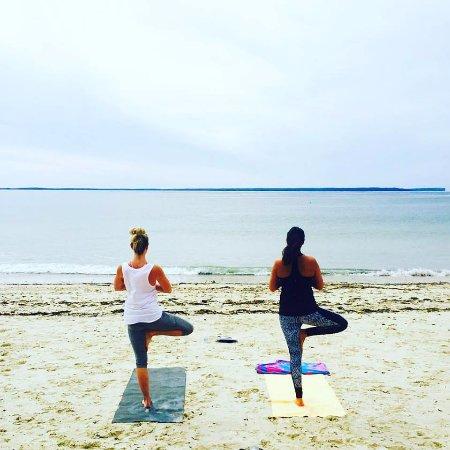 Encinitas, CA: Private Beach Yoga Class Jervis Bay Australia