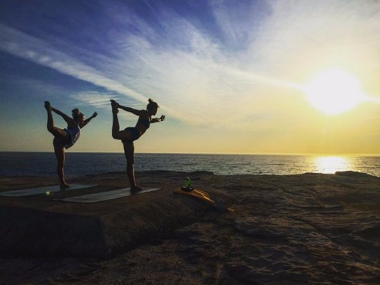 Encinitas, CA: Sunrise Yoga Private Yoga Lesson Clovelly Cliffs Australia