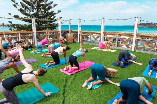 Encinitas, CA: Fluro Friday Ocean View Charity Yoga