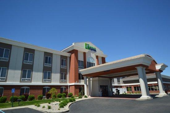 Holiday Inn Express Toledo-Oregon: Exterior