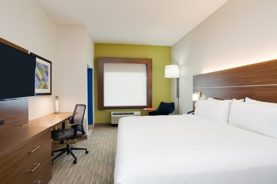 Holiday Inn Express & Suites Fleming Island: Guest room
