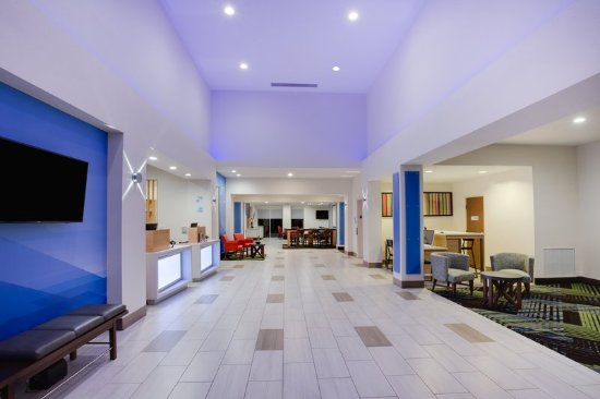 Holiday Inn Express & Suites Fleming Island: Lobby