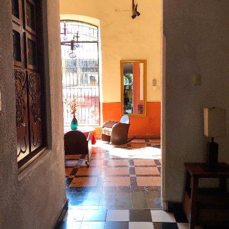 Luz En Yucatan: Front room