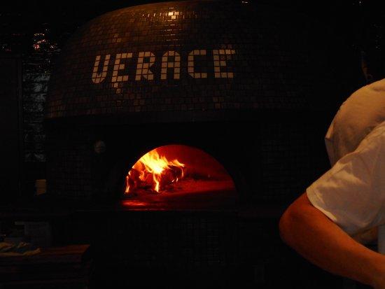 North Ryde, Australia: pizza oven