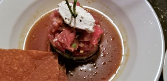 Garden City, Nova York: TUNA TARTARE