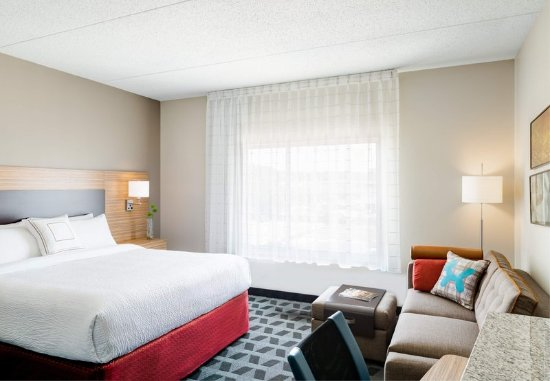 Loma Linda, Kalifornia: Your Guestroom will be well appointed for business and leisure travel needs.