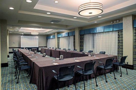 Bridgeton, MO: Meeting room