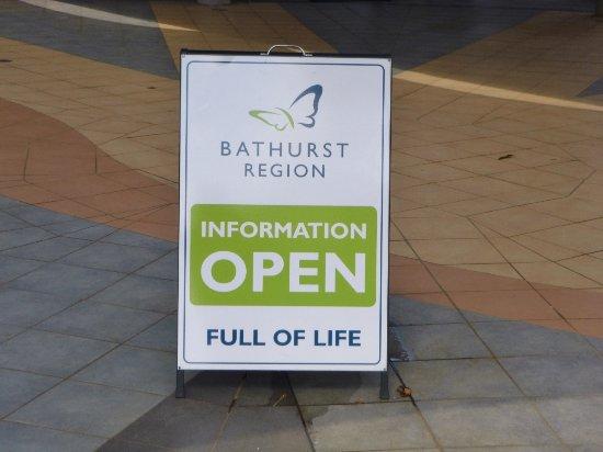 Bathurst, Australia: Signage