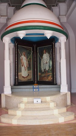 Kirti Mandir Temple: Gandhi birth place