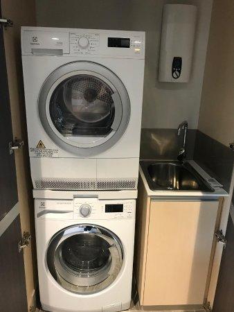 Mascot, Australien: 洗5、乾衣設備
