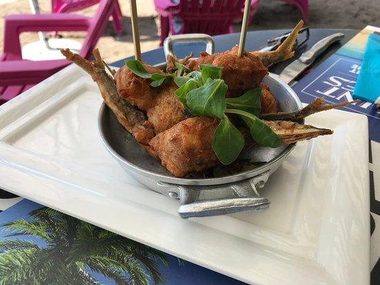 Le Carbet, Martinica: acras et poissons frits en amuses bouche, miam