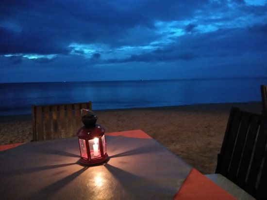 Sayang Beach Bungalows: On of the most amazing places to dine.
