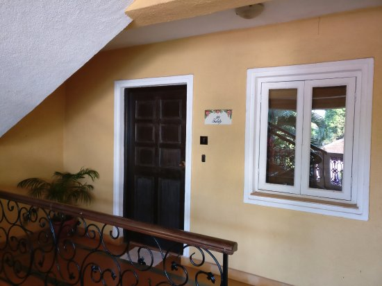 Casa De Goa Boutique Resort: Entrance to the Suite