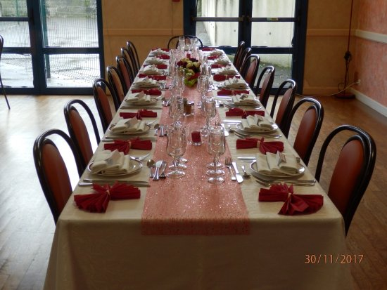 Aménagement de la table anniversaire - Picture of Restaurant Angelus ...
