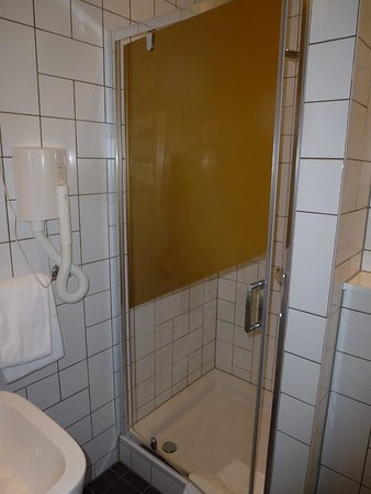 Hotel Mabi : Clean comfortable bathroom